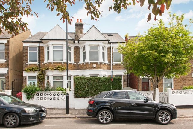 3 bed flat for sale in Wells House Road, London