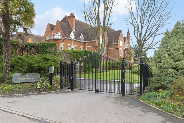 Thumbnail Flat to rent in The Watergardens, Warren Road, Kingston Upon Thames