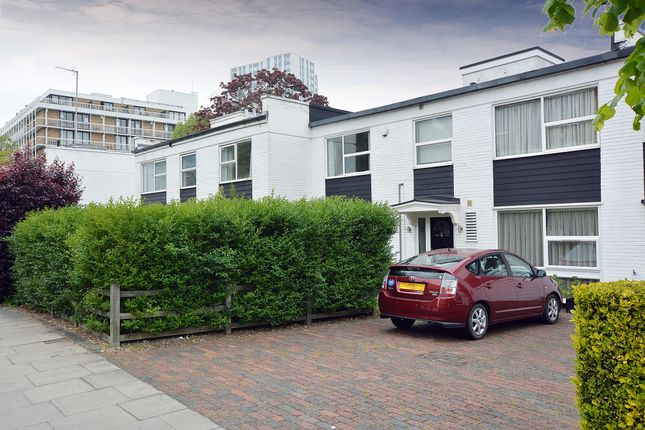 4 bed town house to rent in King Henry's Road, Swiss Cottage