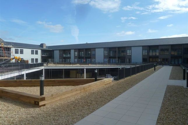 Thumbnail Flat to rent in Cardean House, Swindon, Wiltshire