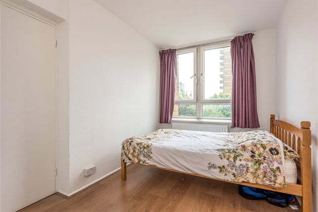 Picture No. 17 of Newland Court, Old Street, Islington, London EC1V