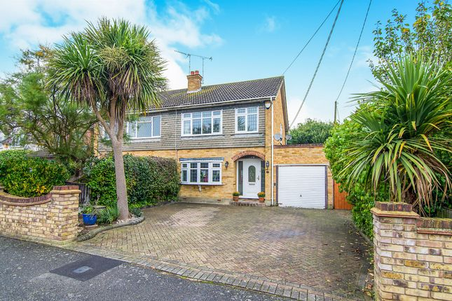 Thumbnail Semi-detached house for sale in Peartree Lane, Doddinghurst, Brentwood