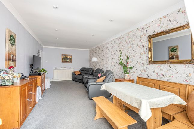 Living Room of Crowther Close, Southampton SO19