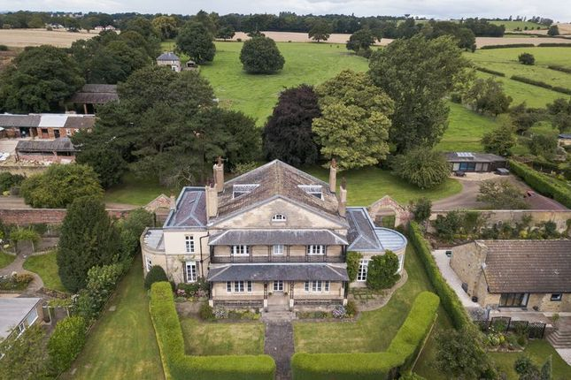Thumbnail Country house for sale in Lee Lane, Ackworth, Pontefract