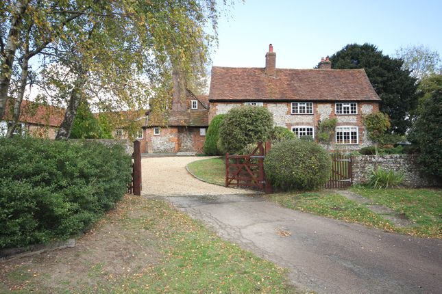 Thumbnail Farmhouse to rent in Cookshall Lane, West Wycombe, High Wycombe