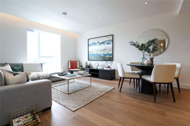 Thumbnail Flat for sale in Bishops Gate, 82-88 Fulham High Street, London
