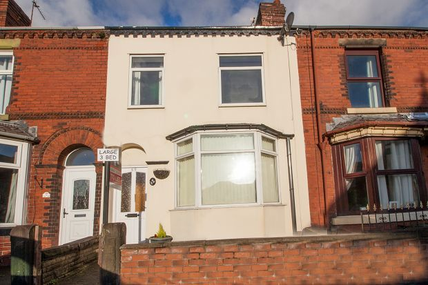 Thumbnail Terraced house to rent in Chorley New Road, Horwich
