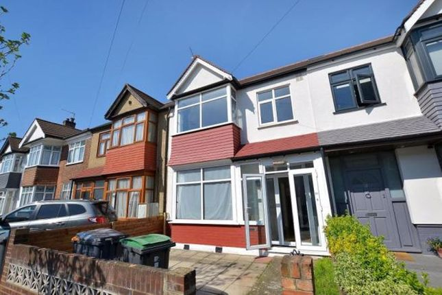 Thumbnail Property to rent in New Road, London