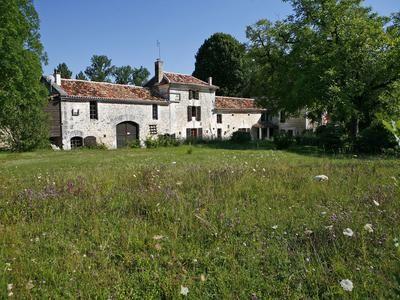 9 bed property for sale in Mareuil, Dordogne, France