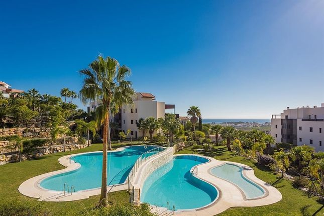 2 bed apartment for sale in Los Flamingos, Malaga, Spain