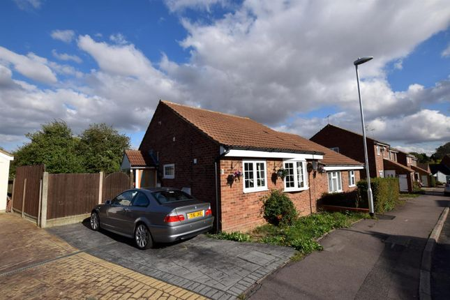 Thumbnail Property for sale in Oxlip Road, Witham