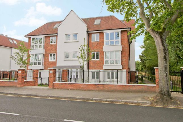 Thumbnail Flat to rent in Metropolitan House, Pembroke Road, Ruislip
