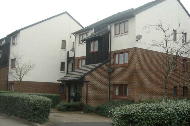 Thumbnail Flat to rent in Yeading, Hayes, Middlesex
