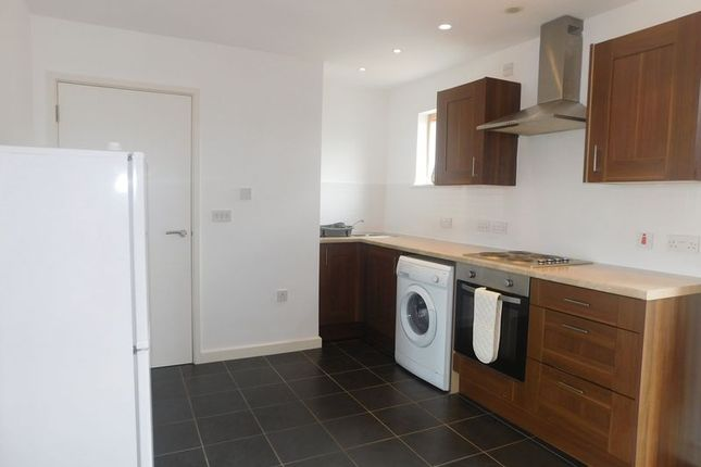Thumbnail Flat to rent in St Crispins Court, Stockwell Gate, Mansfield