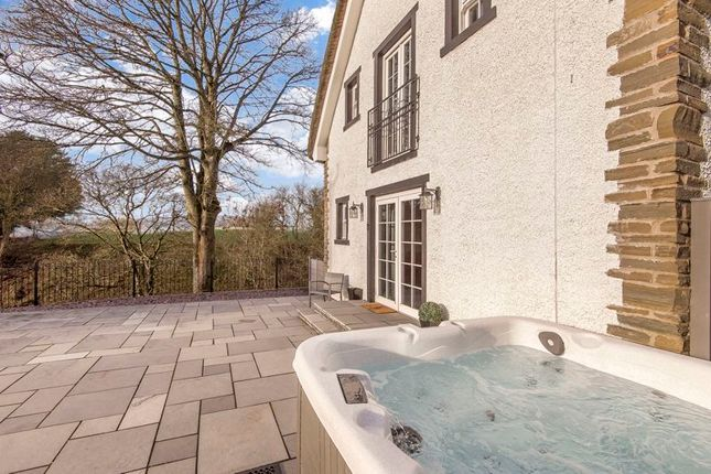 Hot Tub / Patio of Thatched Cottage, Murroes, Broughty Ferry DD5