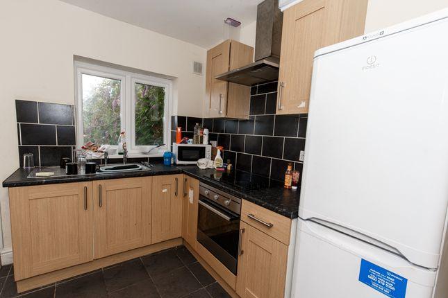 Thumbnail Room to rent in Laura Street - Room 3, Treforest, Pontypridd