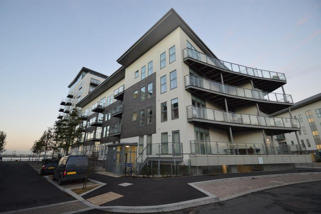 Thumbnail Flat to rent in Darbyshire House, Clovelly Place, Greenhithe