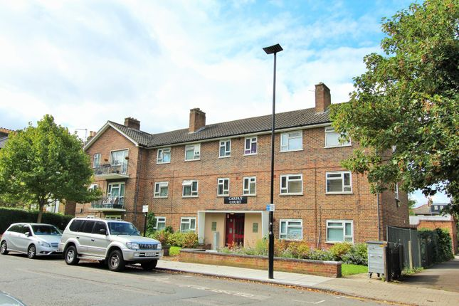 Thumbnail Flat for sale in Oxford Road North, London