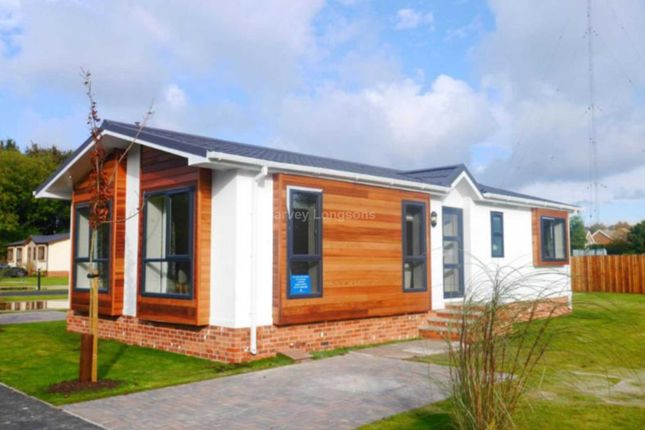 Thumbnail Mobile/park home for sale in St Oswald`S Road, Fulford, York