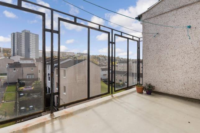 Shared Balcony of Roxburgh Way, Greenock, Inverclyde PA15