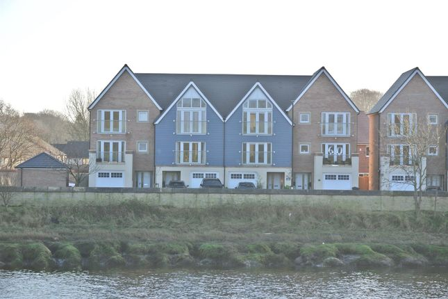 Thumbnail Town house for sale in New Quay Road, Lancaster