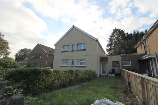 2 bed flat for sale in Coombe Tennant Avenue, Neath, Neath Port Talbot. SA10