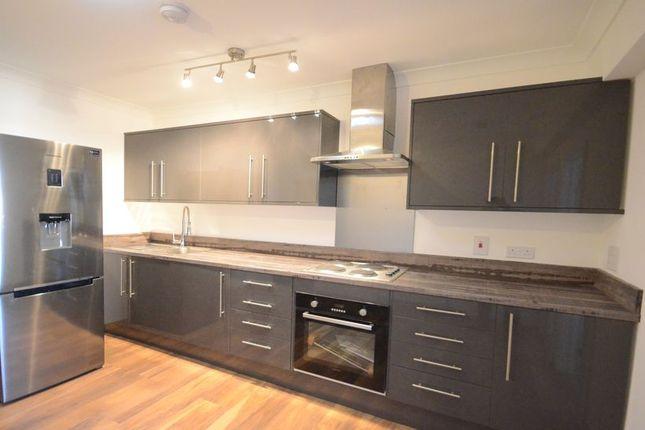 Thumbnail Flat to rent in Caversham Road, Reading