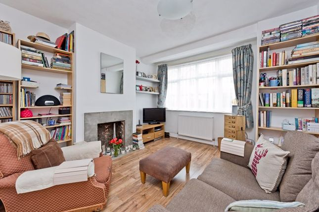 1 bed flat for sale in Dinton Road, Colliers Wood, London SW19