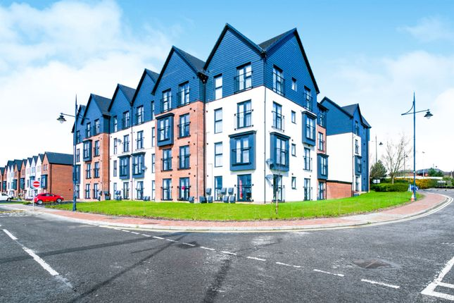 Thumbnail Flat for sale in Cei Tir Y Castell, Barry