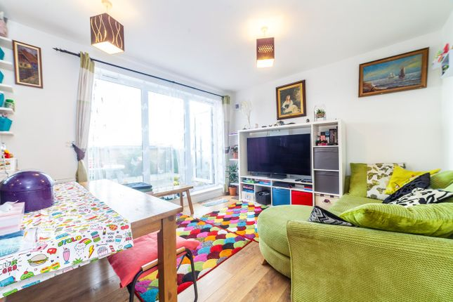3 bed flat for sale in Whitestone Way, Croydon CR0