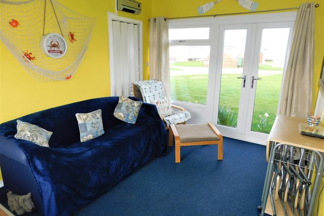 Living Room of Links Avenue, Mablethorpe LN12