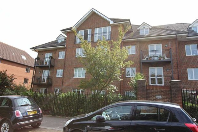 Flat for sale in Walsingham House, North Chingford, London