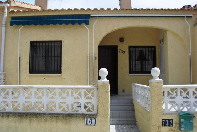 Terraced bungalow for sale in Urbanización La Marina, San Fulgencio, Alicante, Valencia, Spain