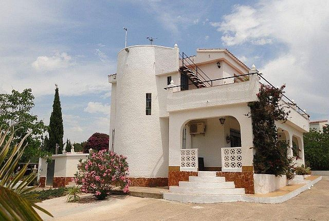 4 bed villa for sale in Torrent, Valencia, Spain