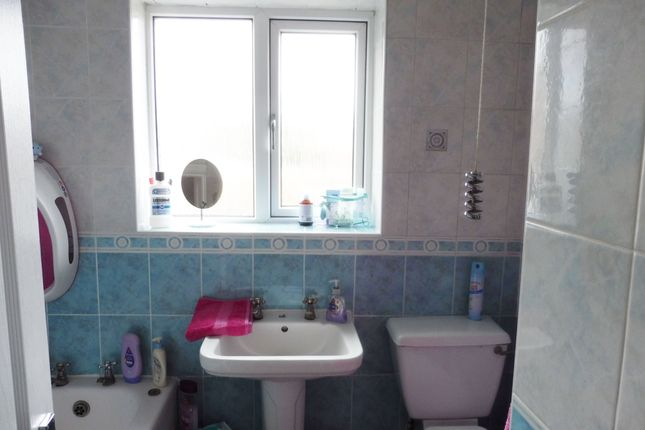 Bathroom of Wilson Street, Wombwell S73