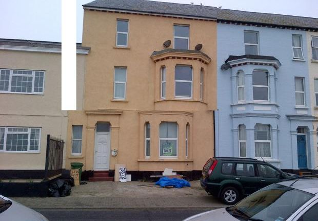 2 bed flat to rent in The Parade, Walton On The Naze CO14