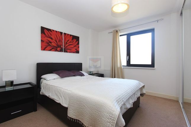 Thumbnail Flat to rent in Maple Quays, Canada Water