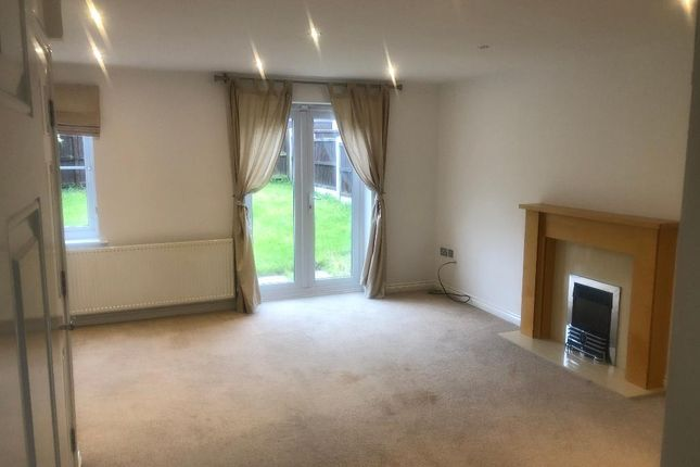 4 bed semi-detached house to rent in Halesworth Road, Handsworth, Sheffield, South Yorkshire S13