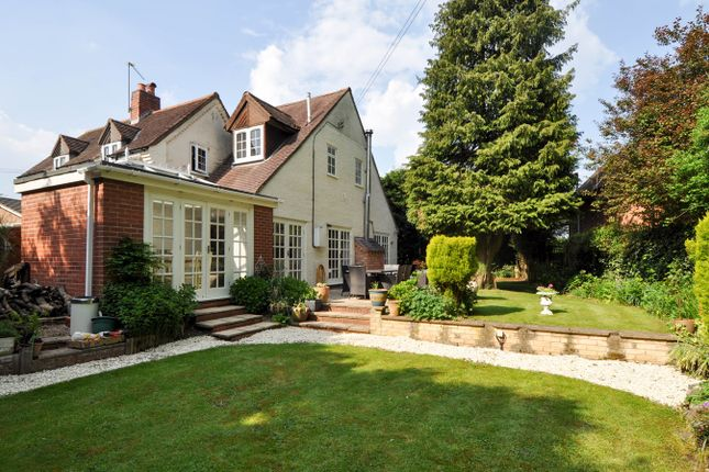 Thumbnail Cottage for sale in The Slough, Redditch