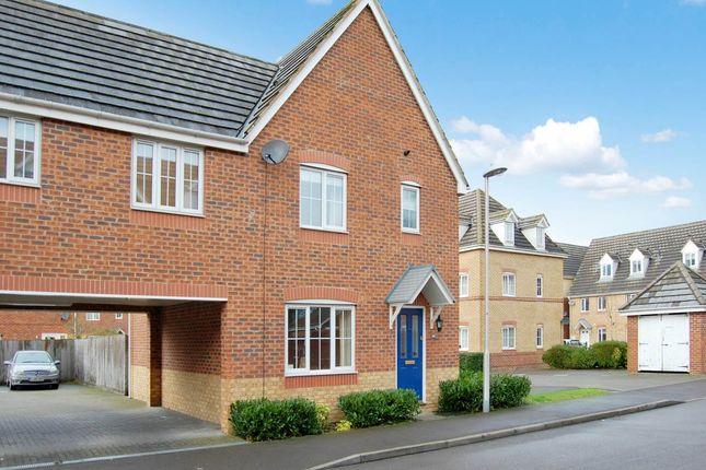 Thumbnail Semi-detached house to rent in Sunderland Gardens, Newbury, Berkshire