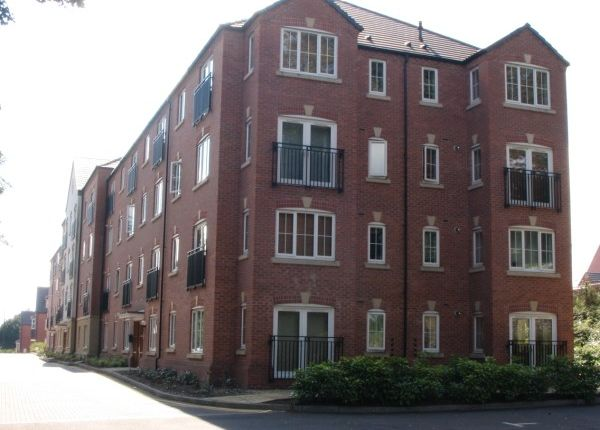 Thumbnail Flat to rent in Harrington Croft, West Bromwich, West Midlands