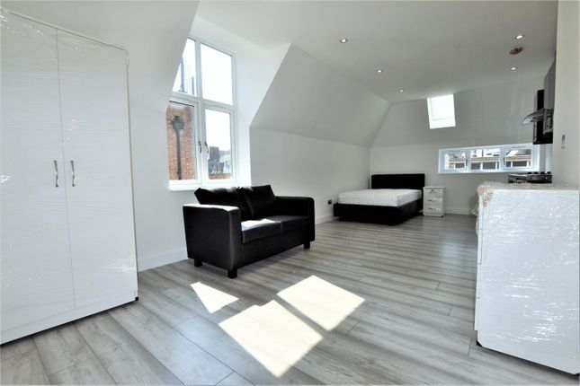 Studio to rent in Charles Street, Leicester LE1