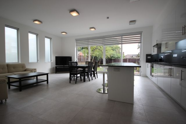 Thumbnail Flat to rent in Elm Avenue, Ealing, London