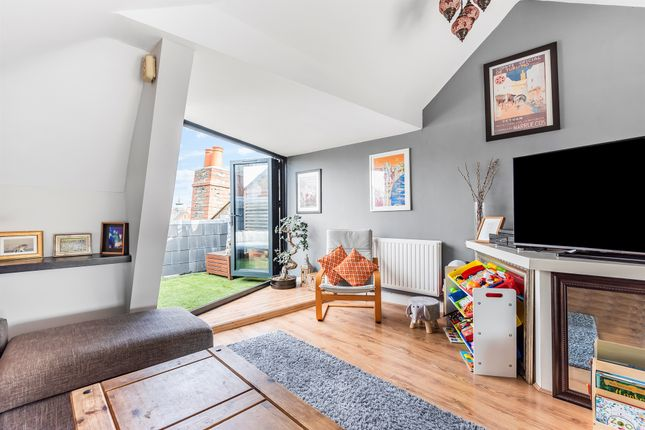 Thumbnail Flat for sale in Athenaeum Place, London