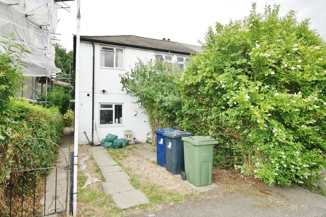 5 bed semi-detached house to rent in Taylors Green, London