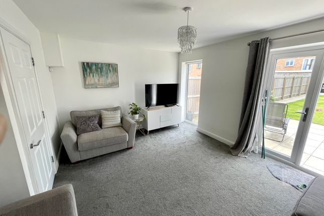 Thumbnail Property to rent in Western Row, Buttershaw, Bradford