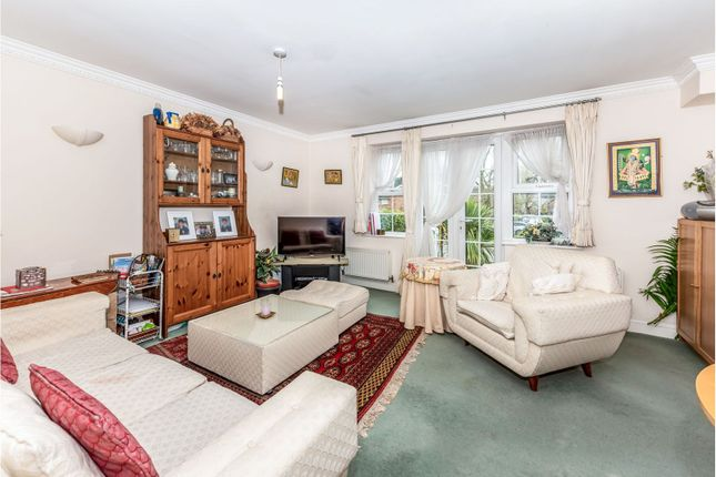 Lounge of Reigate Road, Tadworth KT20