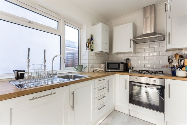 Thumbnail Terraced house to rent in Clewer Fields, Windsor, Berkshire
