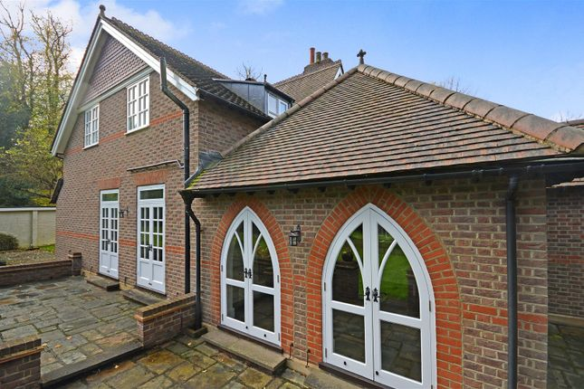 4 bed semi-detached house to rent in Shendish, Hemel Hempstead