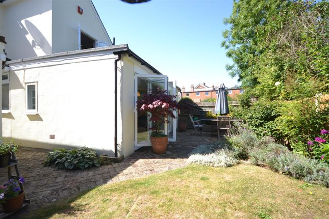 Garden Alt 1 of West Hill, Epsom KT19